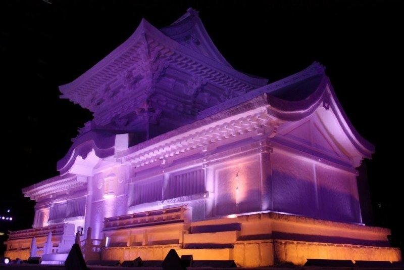古都奈良的文化財春日大社原汁原味的被複製到札幌雪祭大通會場了呢!(圖/MATCHA提供)