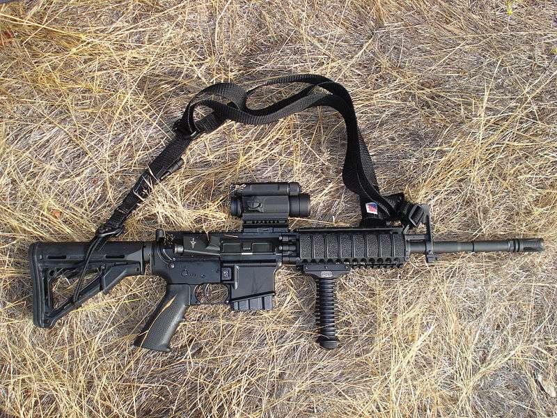 AR-15半自動步槍。(Igor at work@wikipedia/Public Domain)