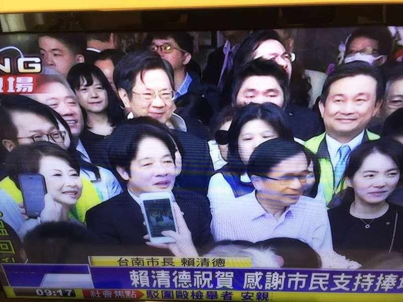20161224-SMG0045-001-前總統陳水扁出席女兒陳幸妤診所開幕並致詞。台南市長賴清德致詞。(翻攝民視新聞)