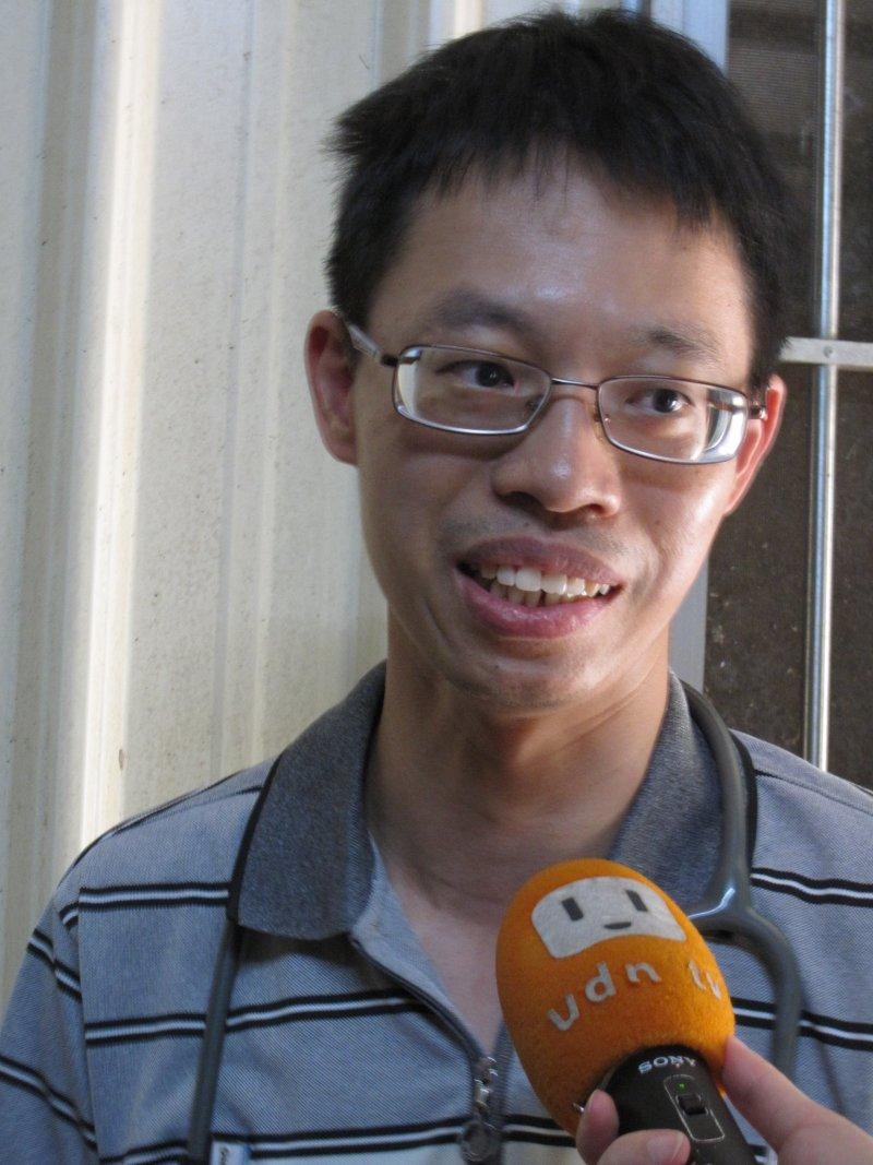 20161229-(天如專題)台灣在宅醫療研究會召集人余尚儒表示,如果一個國家的分級醫療能否落實,關鍵在有效的轉診制度,政府就更責無旁貸了!(黃天如攝)