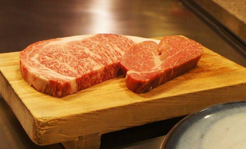 殿堂級的神戶牛排是非吃不可的美食。