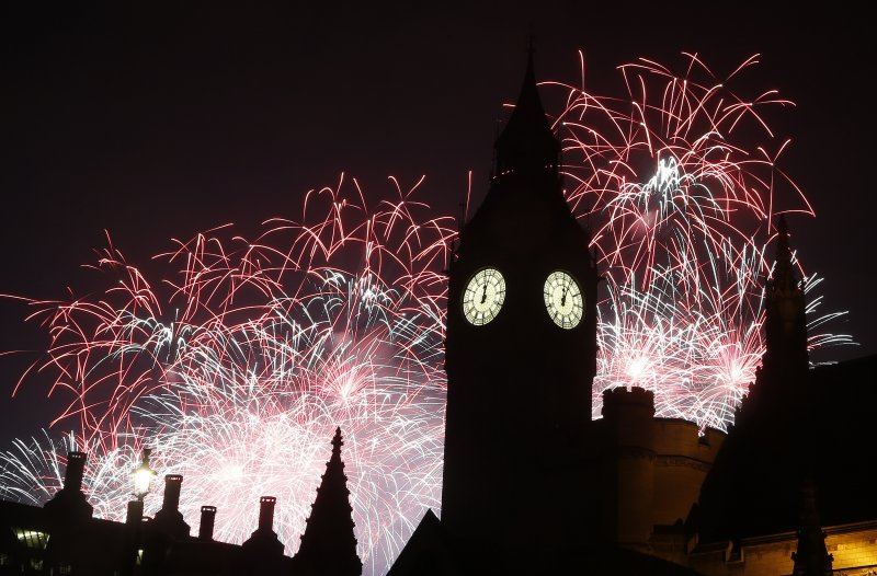 英國倫敦跨年煙火(AP)