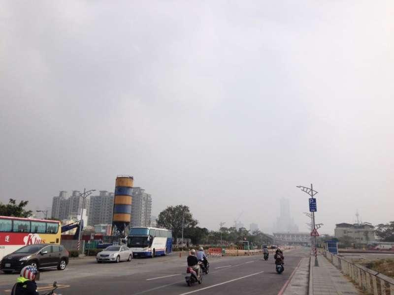 2016-12-24-高雄空汙嚴重-空氣汙染-風傳媒攝