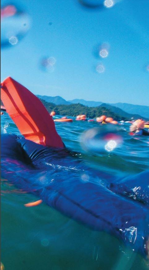 水中容易拍到NG成像。(圖/盧大中,旅讀中國提供)