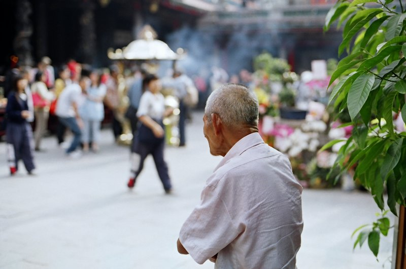 究竟要幾歲以上才叫「老人」呢?(圖/SungHsuan Wang@flickr)