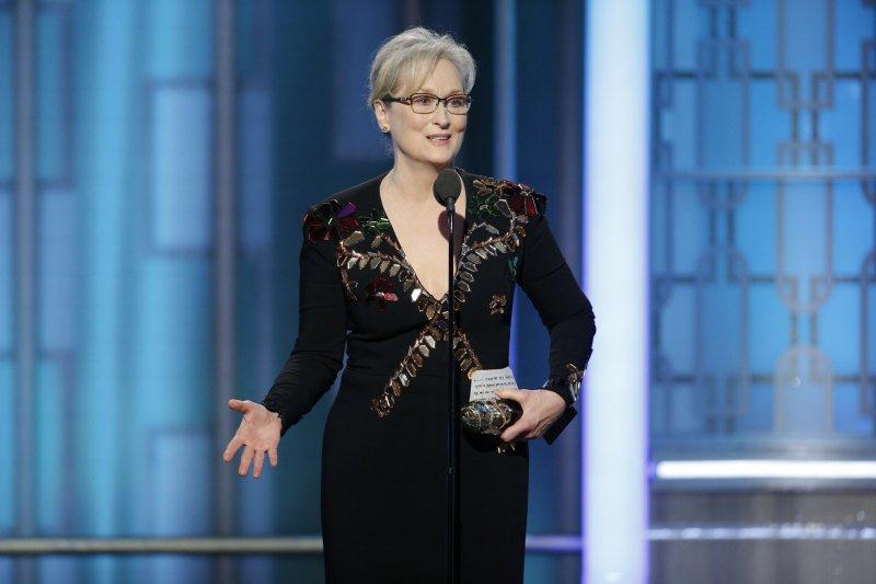 美國女演員梅莉史翠普(Meryl Streep)8日在第74屆金球獎典禮上獲頒終身成就獎(AP)