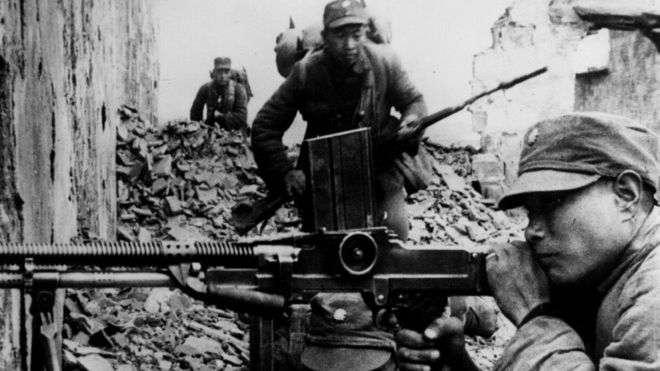 中國抗日戰爭中的國民黨士兵。共產黨和國民黨對於中國抗日戰爭的歷史描述長期存在爭議。(BBC中文網)