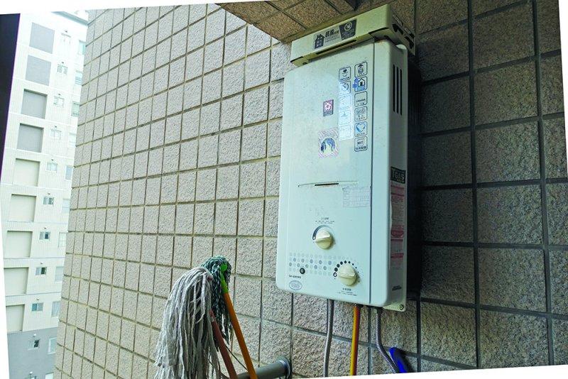 熱水器應放在室外陽台。(圖/時報出版提供)