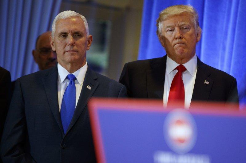準副總統彭斯和川普同仇敵愾,批評媒體對其不公。(美聯社)