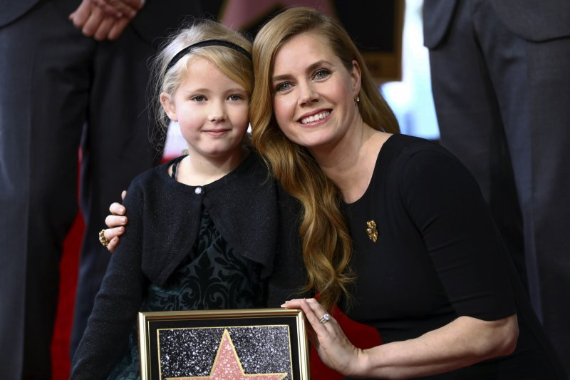 好萊塢一線女星艾美亞當斯(Amy Adams)和女兒在好萊塢星光大道添星留名(AP)