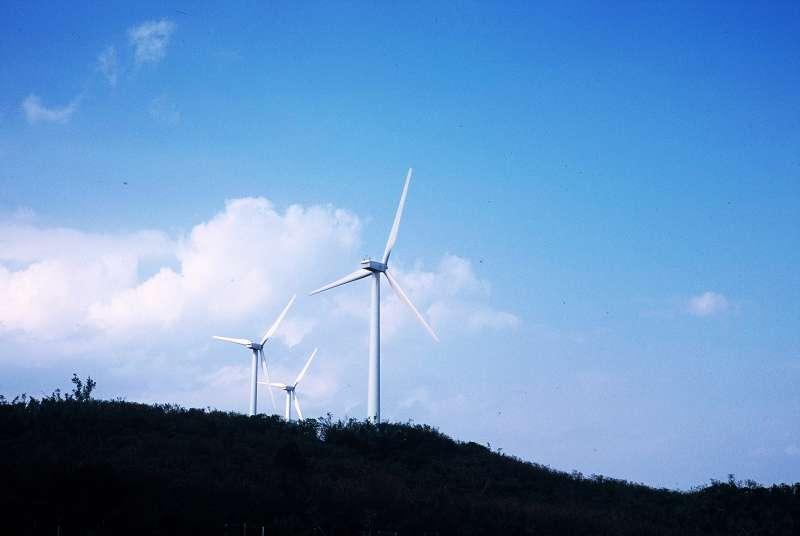 《電業法》通過之後,相關配套最晚還要等到2019年才會到位、環境成本仍未納入發電成本,綠電的備用容量等都是問題。(取自flicker@chia ying Yang)