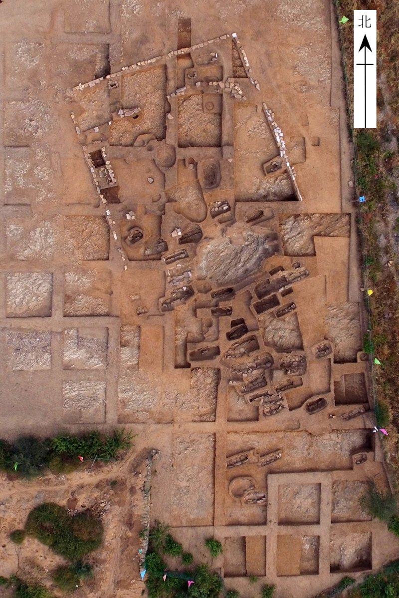 遼寧朝陽市半拉山紅山文化墓地(新華社)