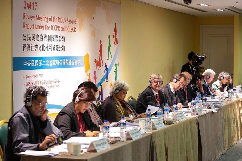 20170116-兩公約10位審查委員16日出席「兩公約第二次國家報告國際審查會議」。(顏麟宇攝)