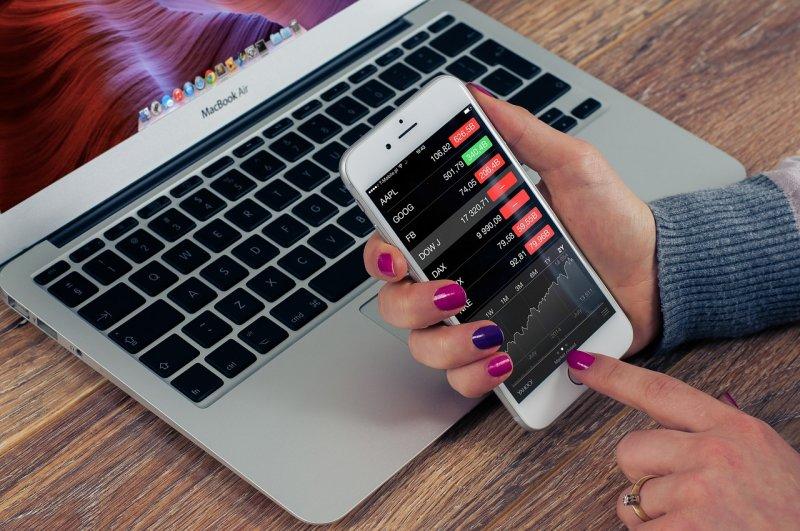 ETF乃追蹤指數的商品等同投資一籃子股票,可使投資人避開選股的風險。(圖/FirmBee@pixabay)