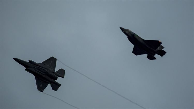 美國陸戰隊第121戰鬥攻擊中隊的F-35B戰機18日抵達日本岩國基地,正式進駐第一島鏈。(美國陸戰隊官網)