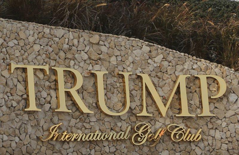 川普簽證禁令被質疑不公,其事業投資所在國家都沒有被禁。圖為其在杜拜的高爾夫球場。(美聯社)