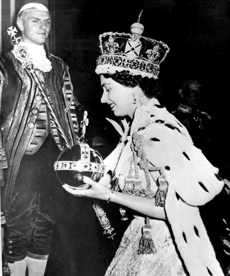 1953年,伊莉莎白二世女王的加冕儀式。(美聯社)