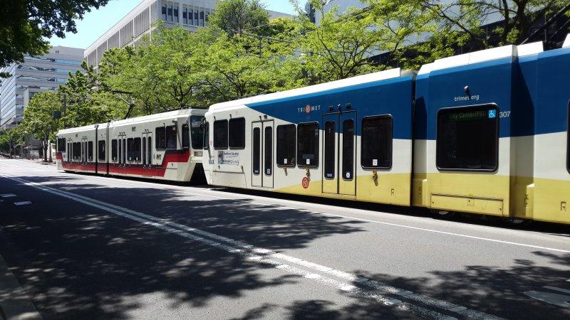 波特蘭市輕軌公車。(蘇邁爾提供)