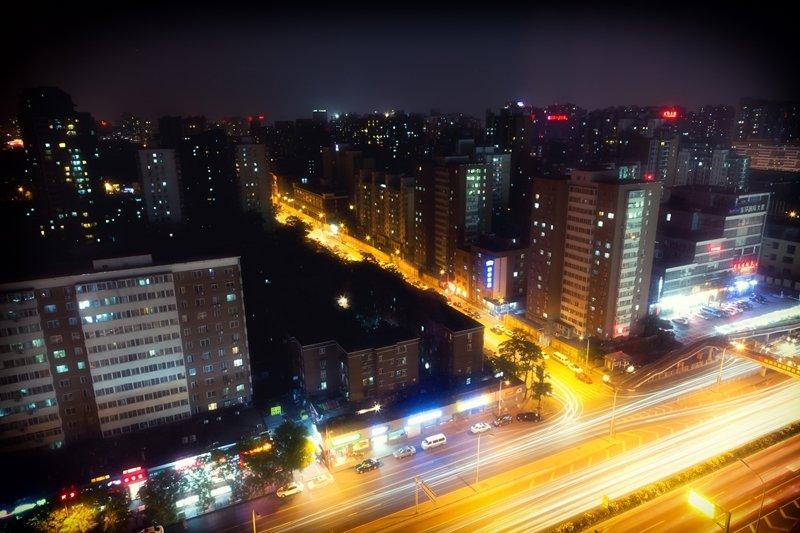 看似現代又進步的北京,其實有著巨大的貧富差距。(圖/Yiannis Theologos Michellis@flickr)