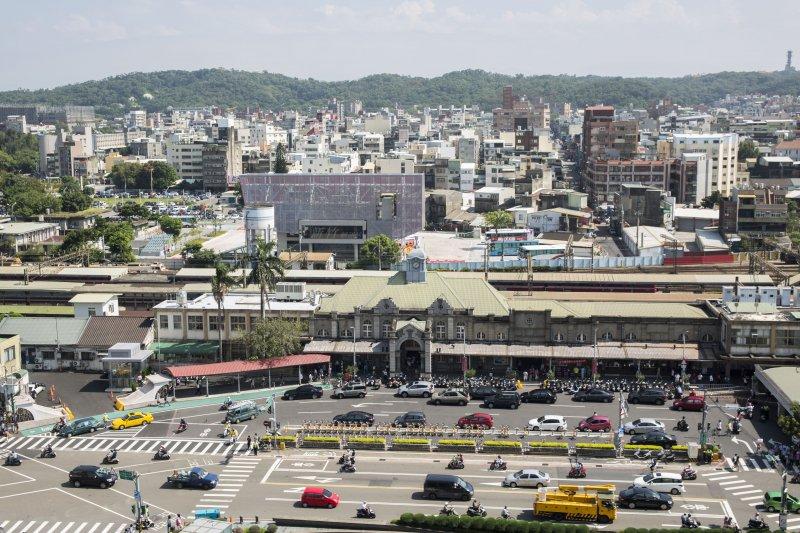 1050215新竹市政府將進行新竹車站的軸線紋理縫補,讓前、後站穿連。(新竹市政府提供)