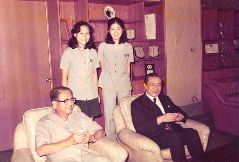 行政院長孫運璿(右)與省政府主席林洋港(左)拜訪台南市政府留影。(詹翹提供)