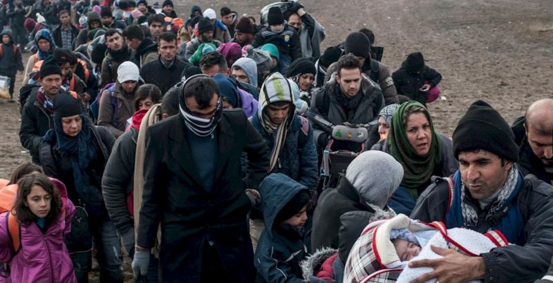 中東北非多國長年內戰,大批難民逃往歐洲,卻被各國踢皮球。(圖/AI)