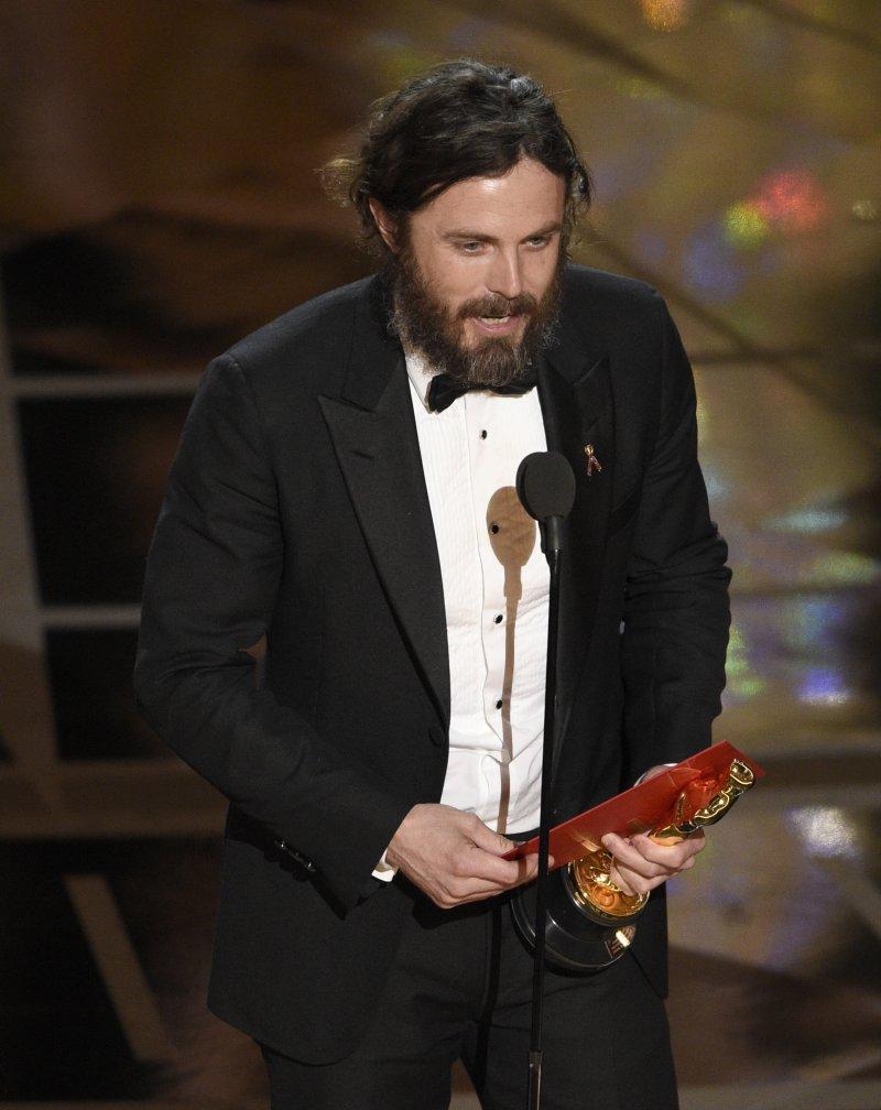 凱西艾佛列克(Casey Affleck)以《海邊的曼徹斯特》拿下最佳男主角獎。(美聯社)