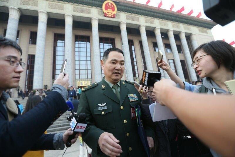 南京軍區前副司令王洪光中將3日接受媒體採訪(取自網路)
