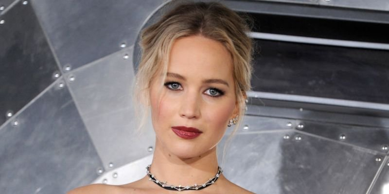 Jennifer Lawrence珍妮佛勞倫斯的白金X灰金漸變色。(圖/Marie Claire美麗佳人提供)