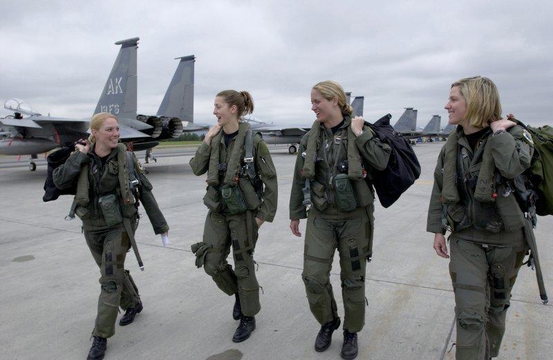 美國女性空軍。示意圖,非當事人。(圖/維基百科公有領域)