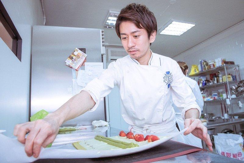 折田喜愛甜食,媽媽又擅長做甜點,總是在左右幫忙而培養了對烘焙的興趣。(圖/openrice提供)
