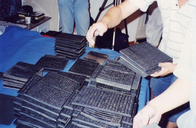 普文印刷廠的手搖鑄字機(照片由吳祖銘提供)
