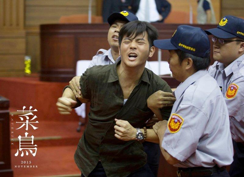 葉明賢(宥勝飾)插手議長兒子的犯毒案件,為自己招來大麻煩(圖/菜鳥@facebook)