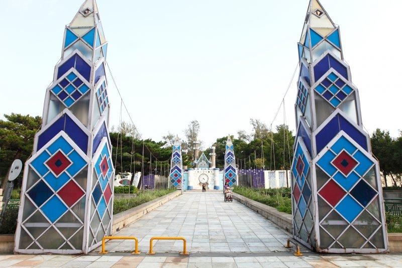 新竹玻璃工藝博物館入口,彷彿走進一座夢幻城堡。(圖/MiNe@flickr)