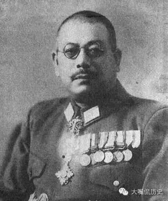 蔣介石身旁曾有位名為富田直亮(中文名為「白鴻亮」)的退役日本軍官,協助蔣介石擬定作戰計畫。(取自網路)