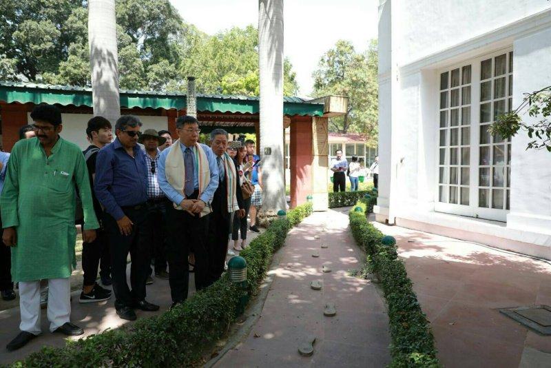20170330-柯文哲探訪印度  德里甘地紀念館(取自台北市政府)