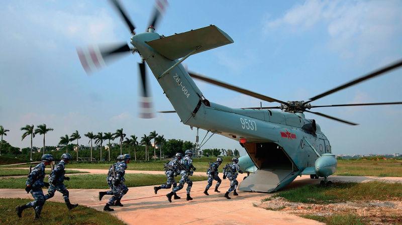 中國國防部正式回應了近期海軍陸戰隊擴編的傳聞,儘管沒有給予明確證實,但是人們仍意識到解放軍海軍陸戰隊實現重大變化的一天到來了!(資料照,新華社)