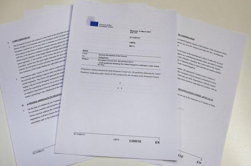 歐盟31日公布的談判準則,已發送至英國之外所有成員國領袖手中。(美聯社)