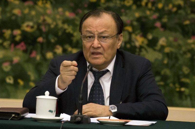 新疆維吾爾自治區主席札克爾(Shöhret Zakir)。
