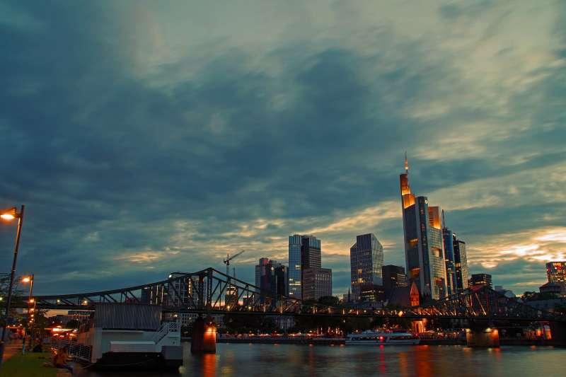 德國法蘭克福對於倫敦的世界金融中心地位虎視眈眈(取自Pixabay)
