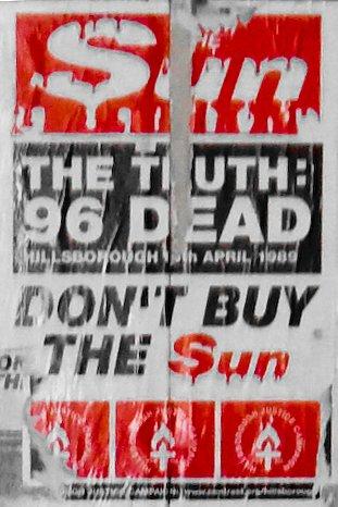 在利物浦呼籲民眾拒買《太陽報》的海報。(The Sun Never Shines On LFC@wikipedia/CC BY 2.0)