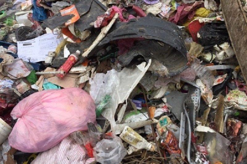 在事業廢棄物處理量不足的連鎖反應下,竹東垃圾爆量的難解局面(圖 / 新竹縣環保局)