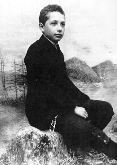 1893年,14歲愛因斯坦。(wikipedia/public domain)