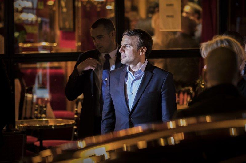 法國總統大選23日進行第一輪投票,中間派候選人馬克宏(Emmanuel Macron)晉級第二輪(AP)
