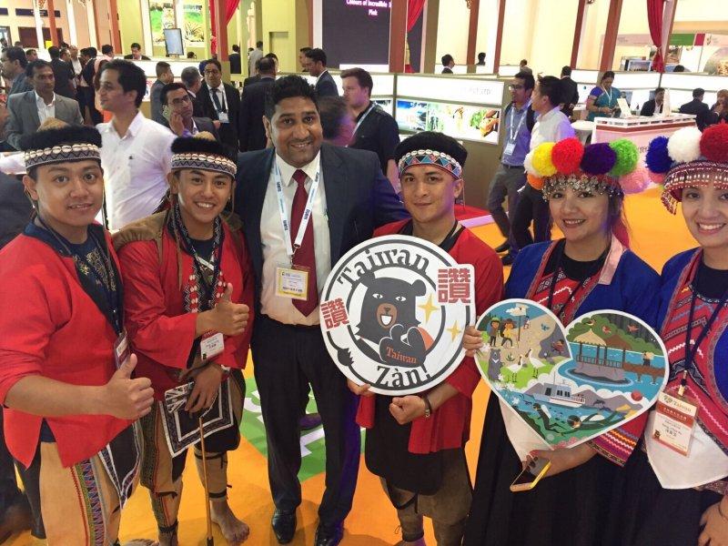 穆斯林參觀台灣館希望更多清真認證友善餐廳和英語交通指引。(圖/阿里山管理處提供)