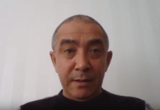 世界維吾爾代表大會發言人迪里夏堤。(圖/取自Youtube)