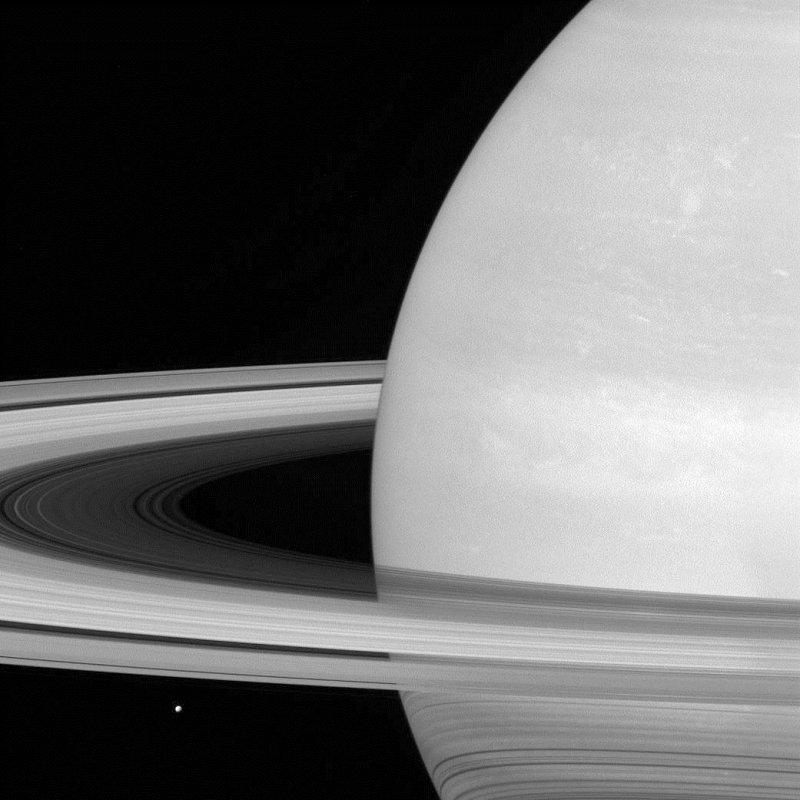 美國NASA卡西尼號太空船因燃料耗盡,26日晚間展開探測土星和土星環之間的最終任務(AP)