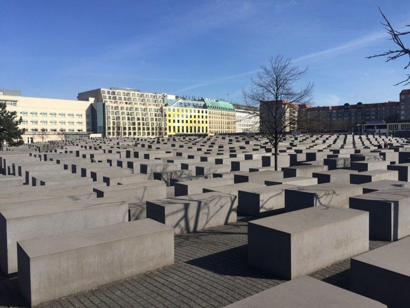 (圖/柏林猶太人屠殺紀念碑。來源:作者拍攝;想想論壇提供)