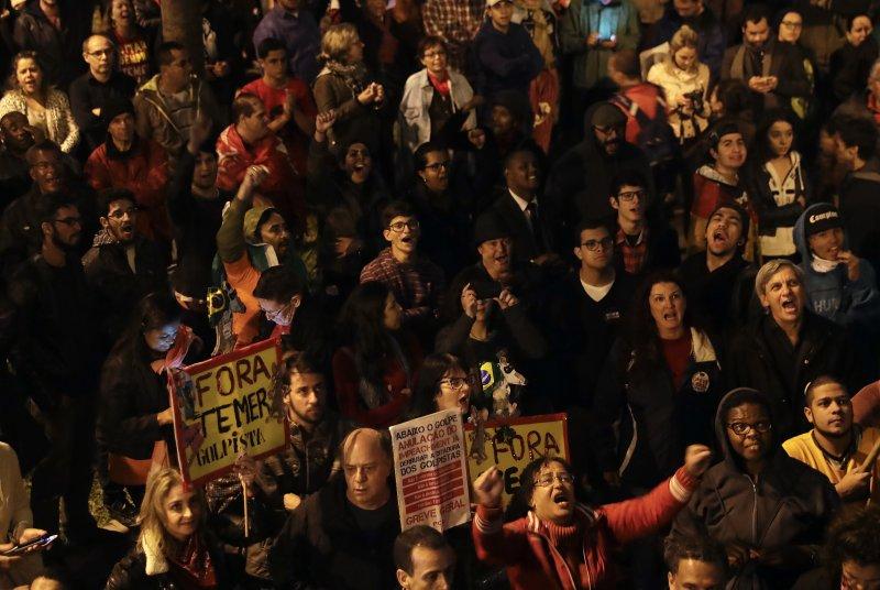 抗議政府上修退休年齡,巴西多城市發動百萬人大罷工。(美聯社)