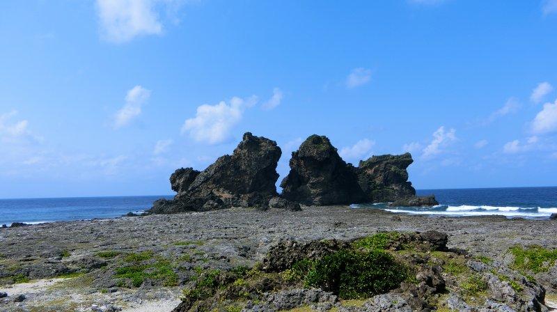 形似兩隻獅子的雙獅岩。(圖/俞嘉琦 拍攝)